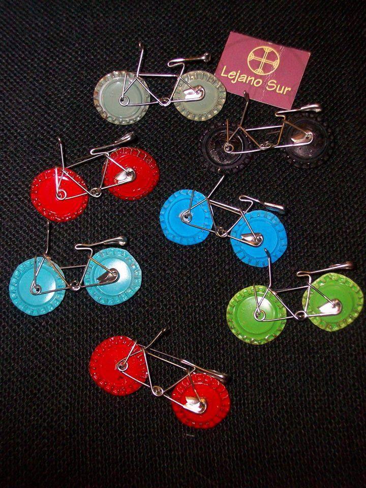 Broches de Bicicleta.Hechos a mano con Chapas e imperdibles de reciclaje. http://lejanosursantiago.blogspot.com.es/ Diseñamos tus regalos.