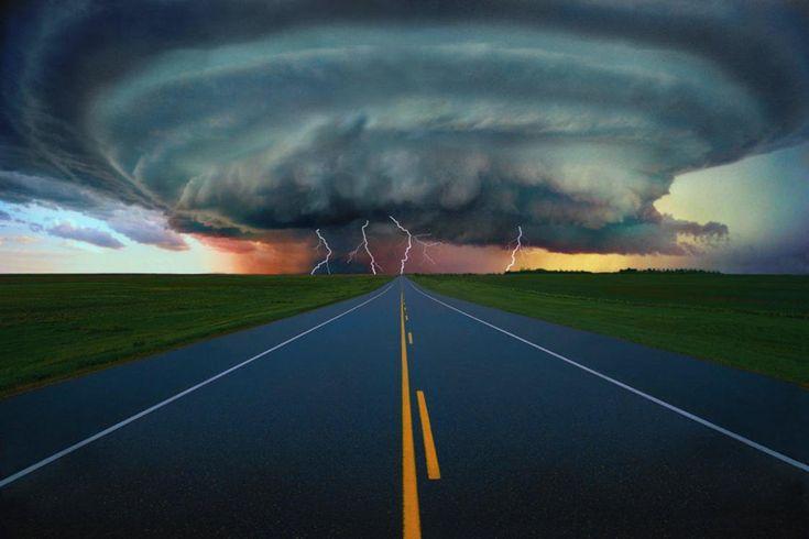 Super cell tornadic storm