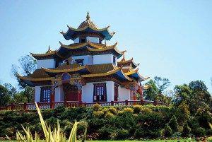 Uma viagem ao templo budista – você precisa conhecer esse lugar mágico –