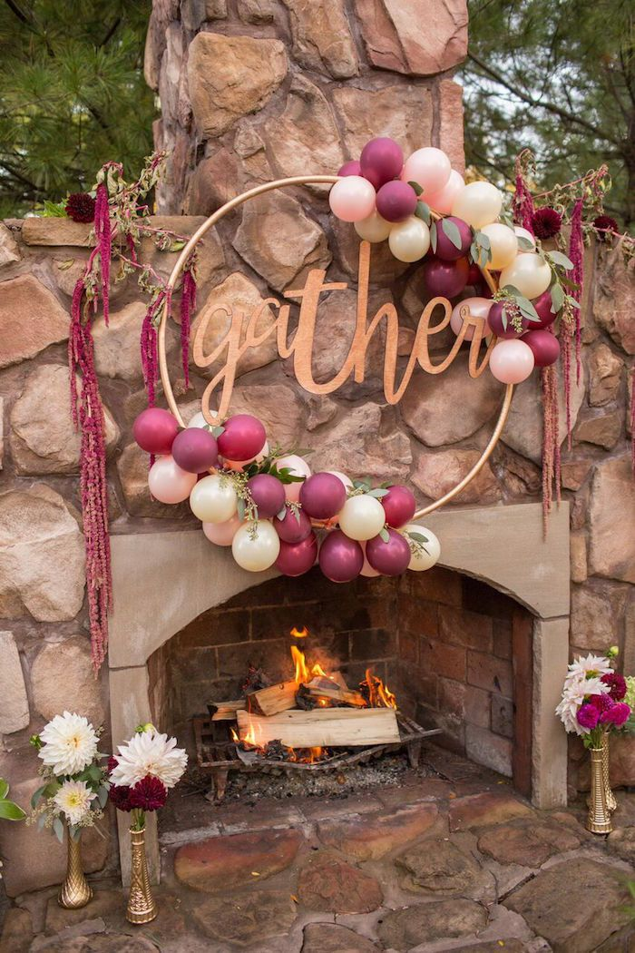 Create stunning decor with ballons and cardboard for a simple yet gorgeous look | Bordeaux and Blush Friendsgiving Dinner Party