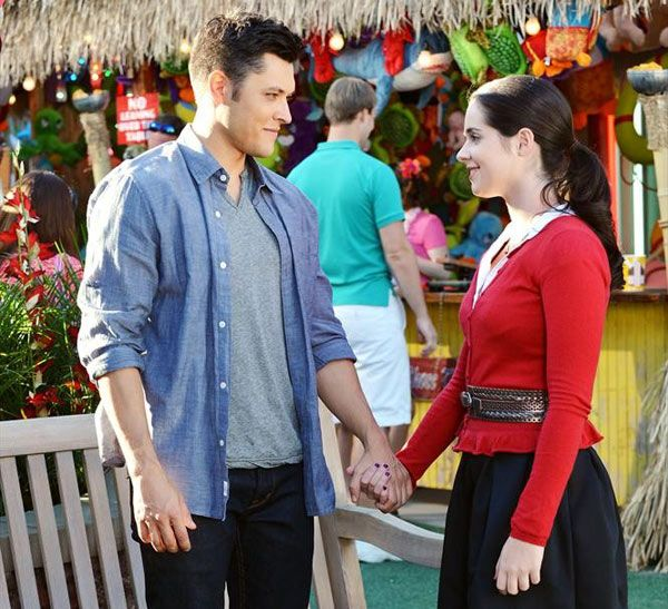Oh... No more bemmett?!  'Switched At Birth': Vanessa Marano Previews Bay & Ty's Intense Reunion
