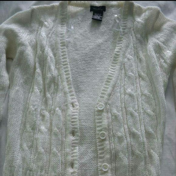 Gorgeous white button up cardigan sweater size xs This is a really pretty all white cardigan, it buttons up and has thick hems at bottom and sleeves. It is a size xs, brand new!! Wet Seal Sweaters Cardigans