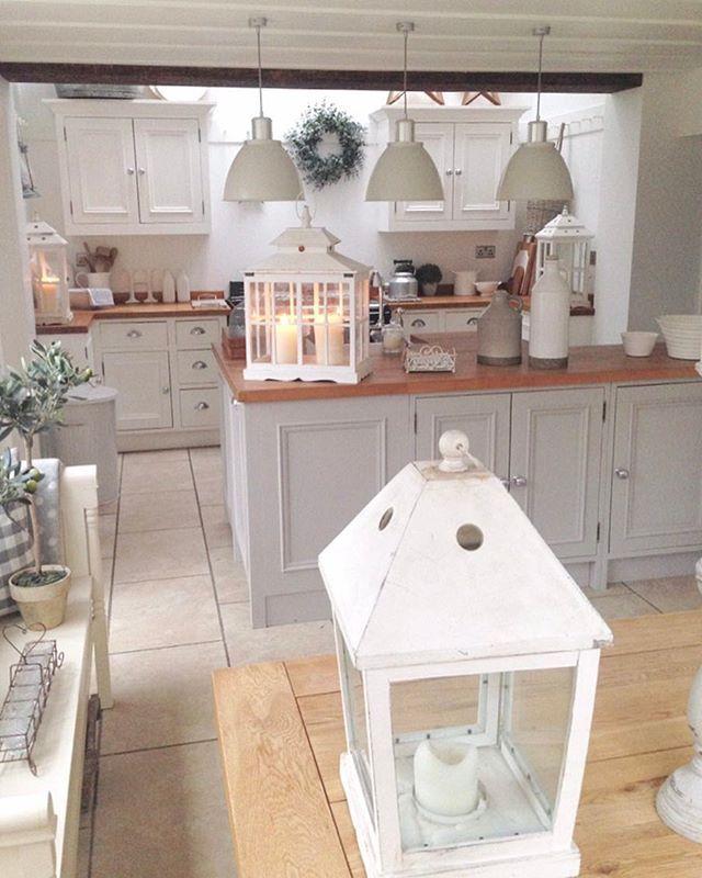 Soft grey kitchen.