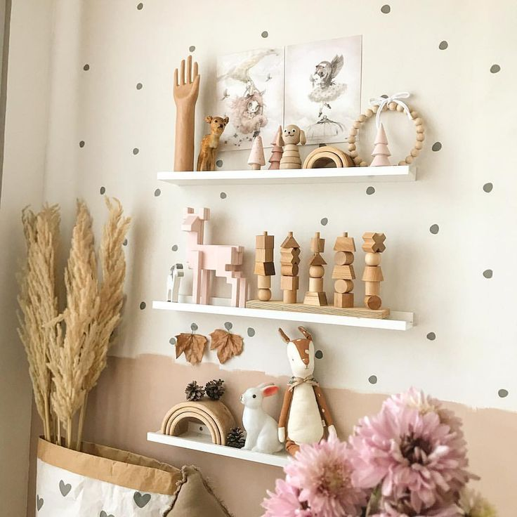 Kinderzimmer Babyzimmer Wandgestaltung 💚 Wandsticker Tupfen mini grau www.petite-voyou.com 💚 #kinderzimmer #kinderzimmerdeko #babyzimmer