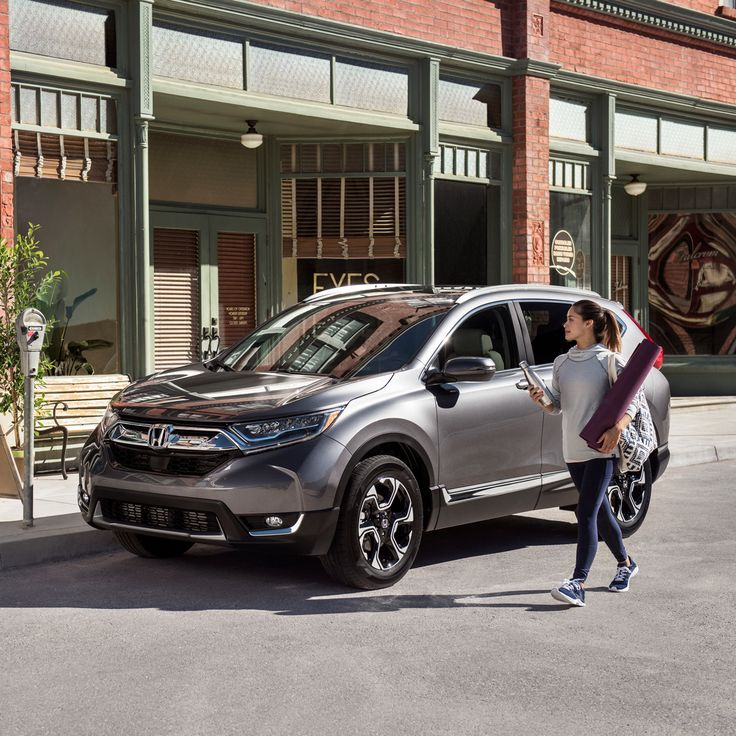 The generous cargo area and available hands-free access power tailgate means that the 2017 Honda CR-V can handle your action-packed day.