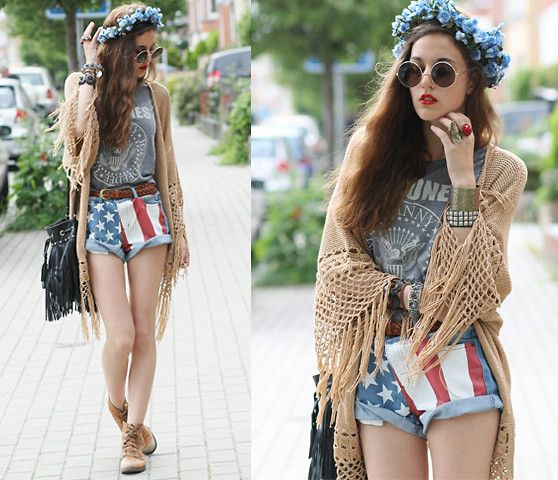 I already pinned a seperate picture of this, but it's one of my favorite Pinterest -y outfits, so I don't care. This ensemble is full of quirky, and I love the concept of playing with proportions between the long crocheted vest and the short shorts.: Usa Flag, July Style, July Fashion, Print Shorts, 4Th Of July, July 4Th, American Flag Shorts, Happy 4Th