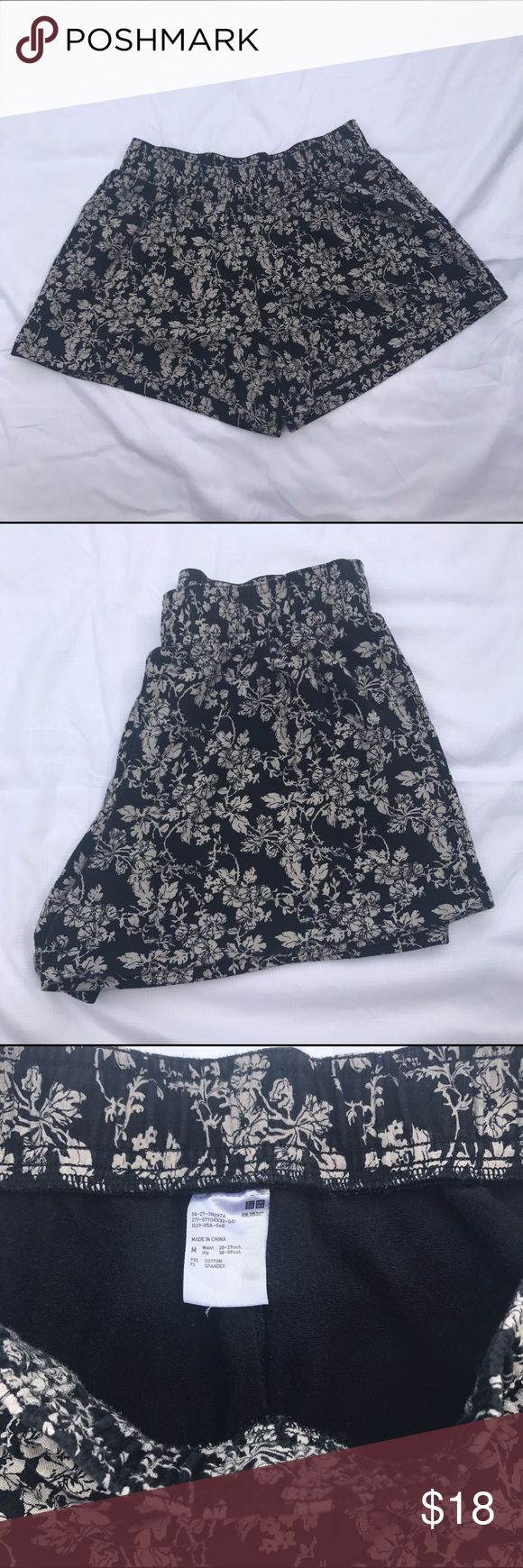 """UNIQLO Cotton Stretchy Leafy Shorts Size Medium UNIQLO Cotton Shorts with Leaf Pattern Design. Like New! No Flaws. Women's Size Medium but super Stretchy and very comfortable! Only worn once! Waist-28-29"""". Very Cute for Summer! Uniqlo Shorts"""