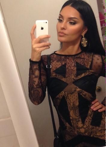 Dress of the night! from @houseofcb and my fav earring from @officialfamecouture have an awesome night sweethearts
