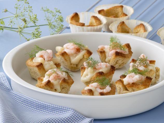 Mini brødkrustader med reje/asparges stuvning
