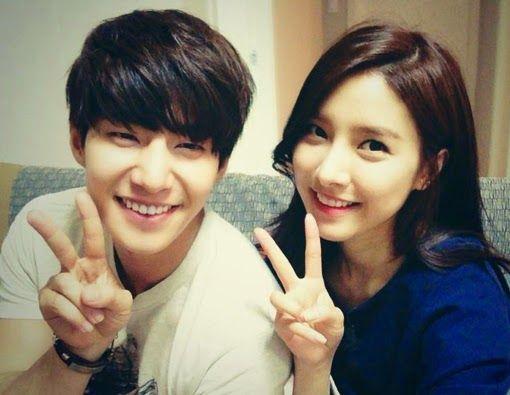 Newest WGM couple Song Jae Rim and Kim So Eun share their very 1st selca - Latest K-pop News - K-pop News | Daily K Pop News