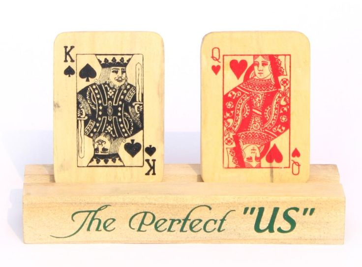 "The king (""Baadshah"") and the Queen (""Begum"") showpiece for those who love playing cards.  #King #Queen #Showpiece #poker  http://qoo.ly/6jiqd/0"
