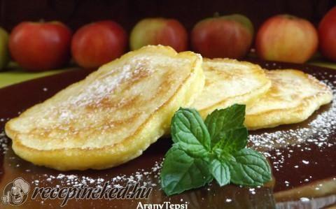 Pufók almás palacsinták recept fotóval