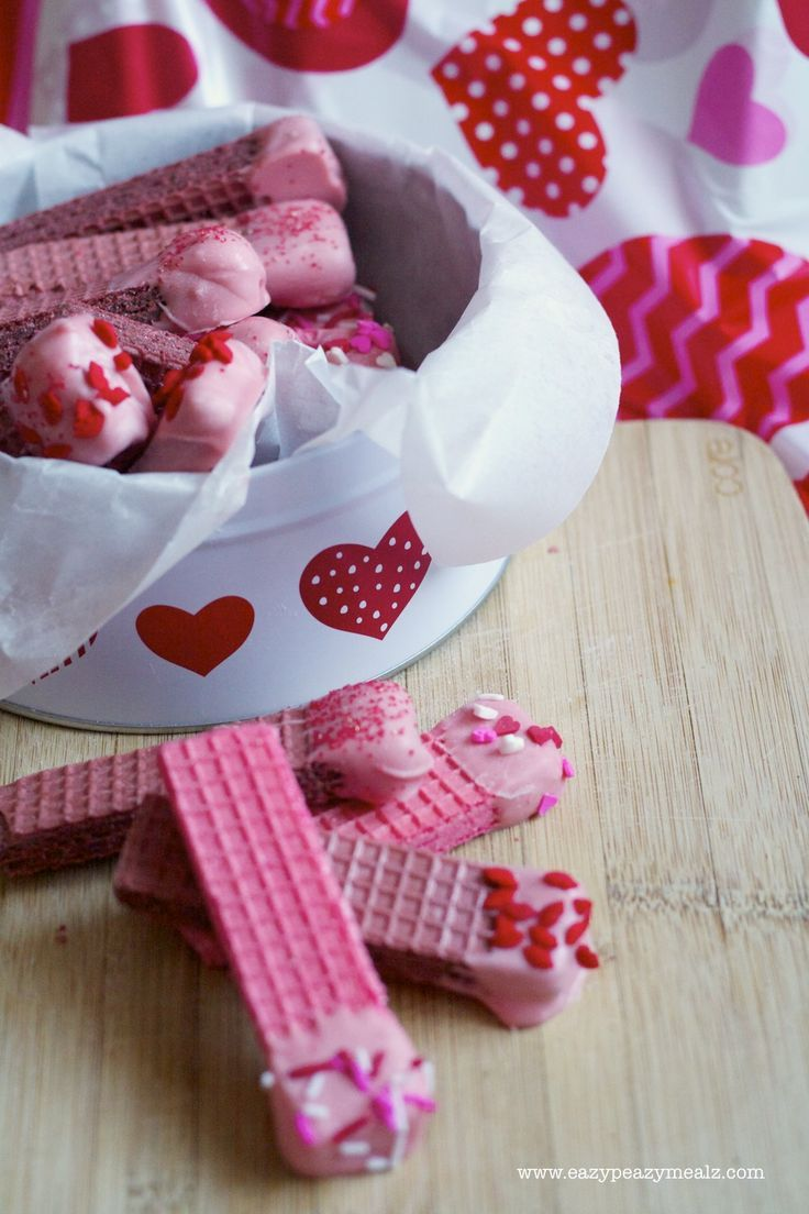 Chocolate Dipped Wafer Cookies for Valentine's Day! The perfect easy treat that looks amazing!