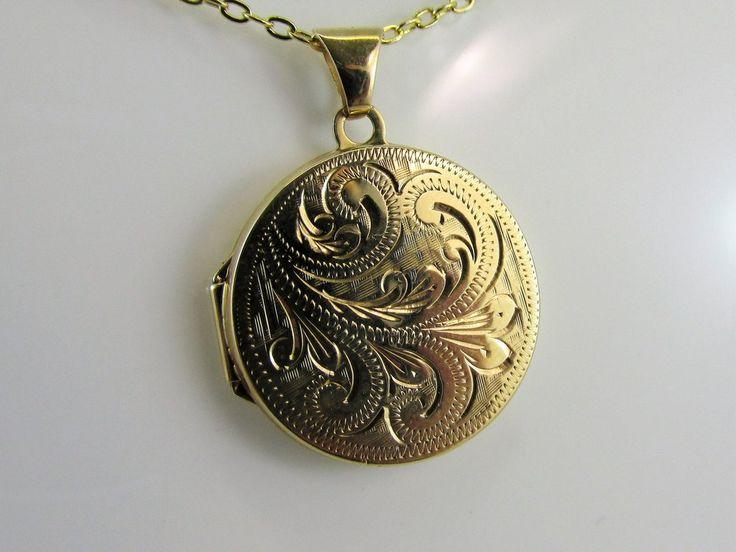 9 ct Gold round locket 20mm.