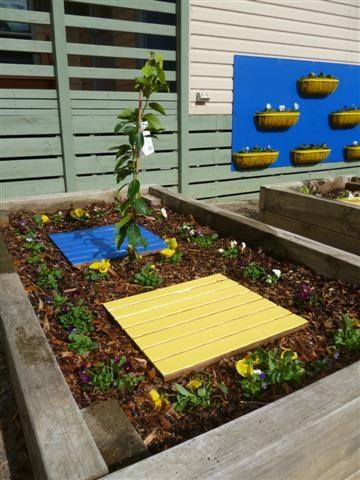 Flower beds...in school colours