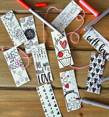 Valentine printable coloring page bookmarks (free printable) // Színezhető Valentin napi könyvjelzők (ingyenes nyomtatható sablon) // Mindy - craft tutorial collection // #crafts #DIY #craftTutorial #tutorial
