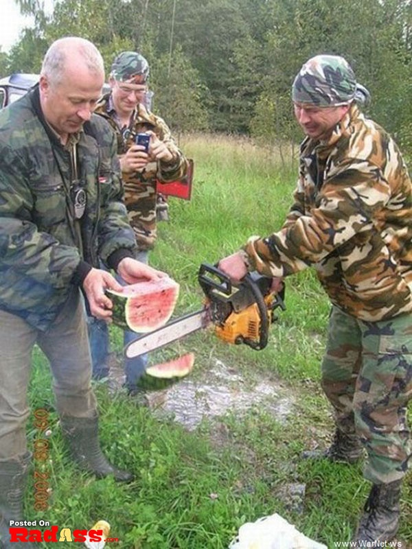How Rednecks cut melon. With a chainsaw.