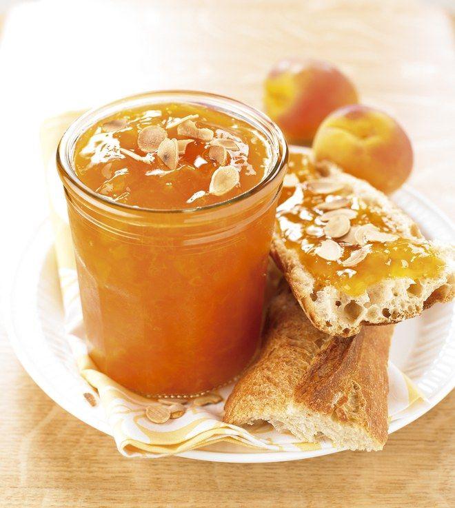 Confiture abricot amandes