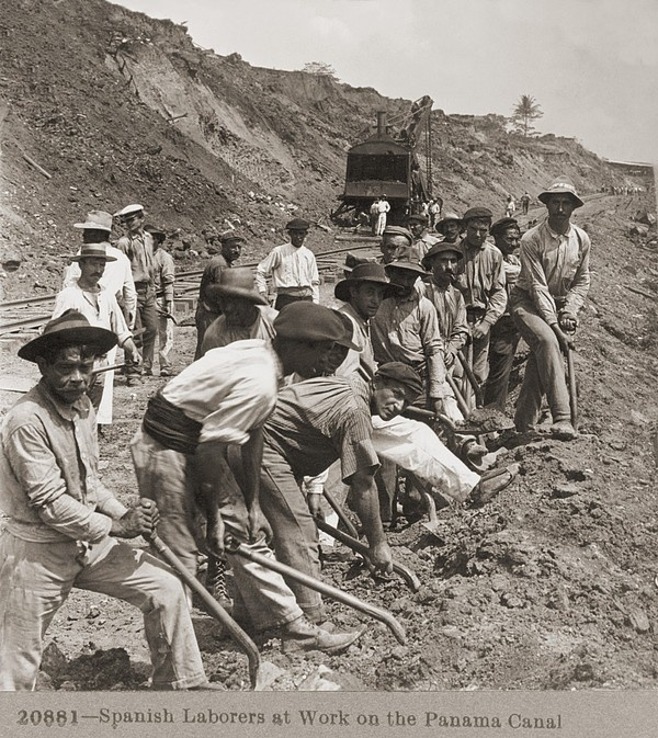 Laborers with shovels, construction of the Panama Canal, Panama, 1909.