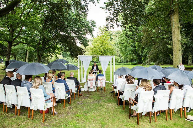 17 beste idee n over buiten ceremonie op pinterest openlucht bruiloft zitplaatsen buiten - Prieel buiten ...