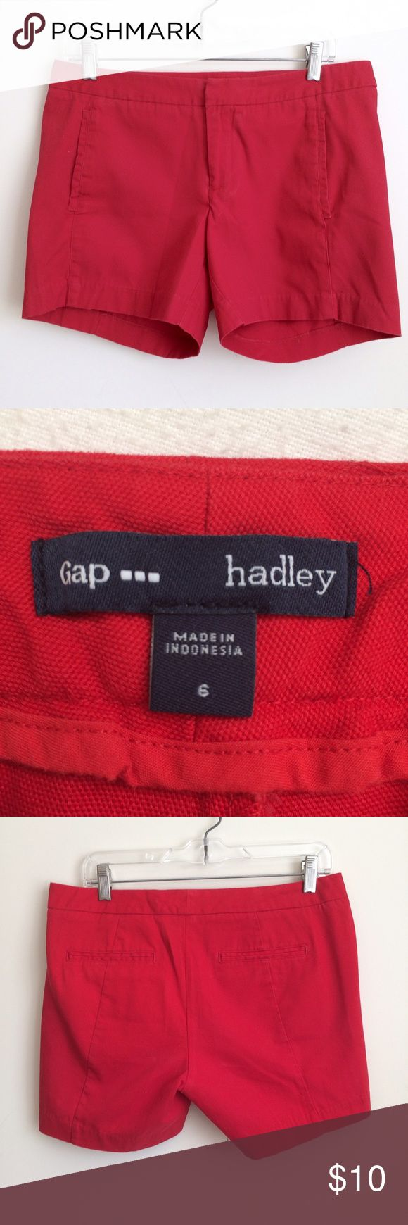 Gap Outlet Red Hadley Flat Front Shorts Size 6 These true red shorts have a low rise, belt loops, front slit pockets, back pockets, a hidden hook & eye and zipper fly, and a flat front. They're in excellent condition from a smoke free home.  