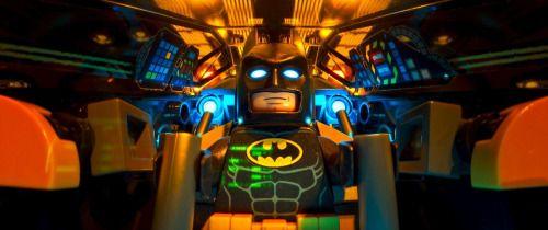 BATMAN regresa al cine en una película más divertida que aquella...