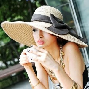 Love wide brim hats!