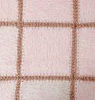 Baby dekentje oud roze | Van Onze Tafel  Nieuw in de webwinkel!  Handgemaakt babydekentje in oud roze. Afmeting 78 x 78 cm. Materiaal katoen. De blokken zijn 19 cm. Geen voering. € 35,-  http://www.vanonzetafel.nl/webwinkel/baby-dekentje-oud-roze