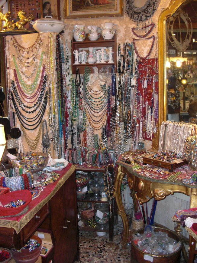 Antique Jewelry Shop in Venice, Italy www.iamsheglobal.com #antique #vintage…