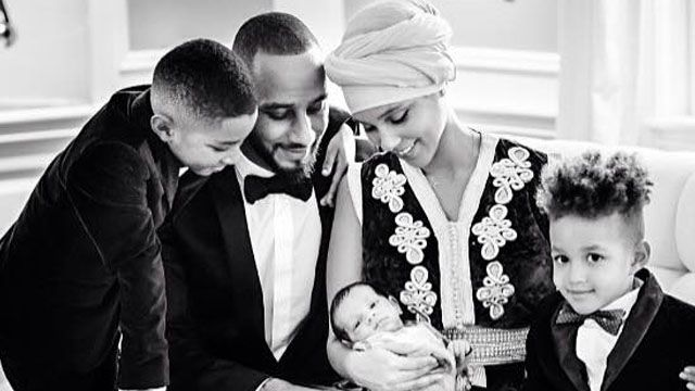 Alicia Keys shows off 2-month-old baby in most adorable family pic - AOL.com