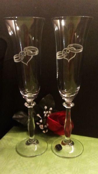 Hochzeitsdeko - Sektgläser  mit Gravur für das Brautpaar - ein Designerstück von Facettenreich-Radeberg bei DaWanda