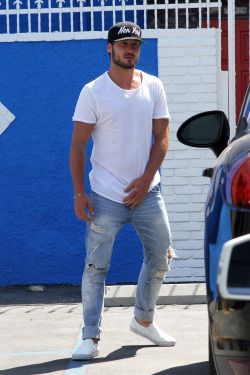 val chmerkovskiy gets hurt