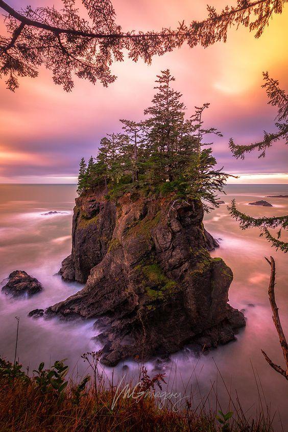 Natural Bridges Cove, Oregon