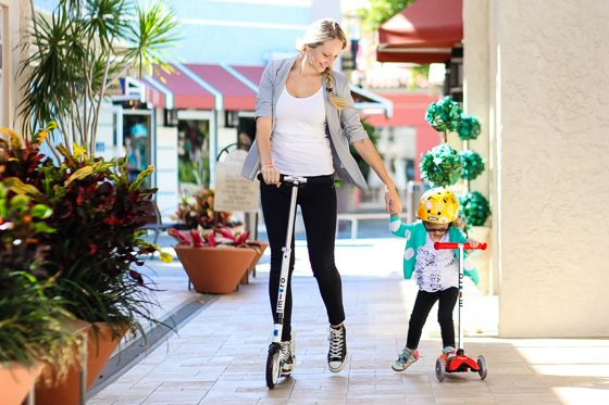 Mum and Daughter scooting <3 On the Micro White and Mini Micro