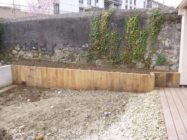 les 10 meilleures images du tableau muret de jardin id es sur pinterest muret de jardin bois. Black Bedroom Furniture Sets. Home Design Ideas