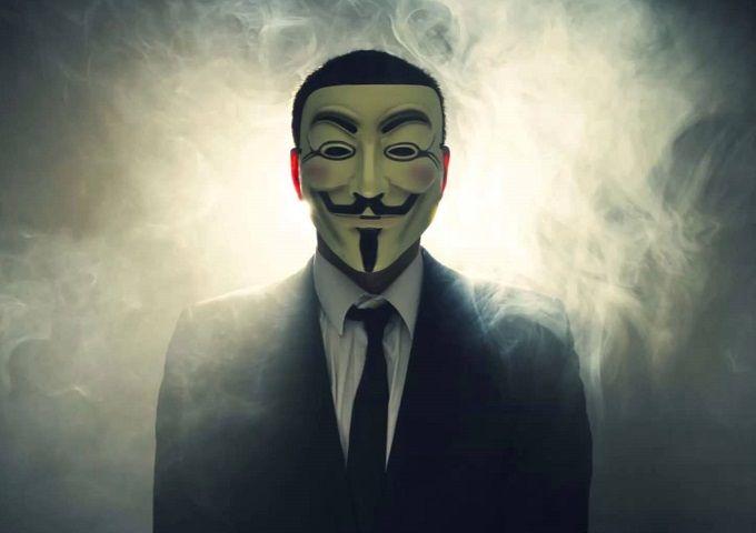 Anonymous Uyardı! Paralarınızı çekin.