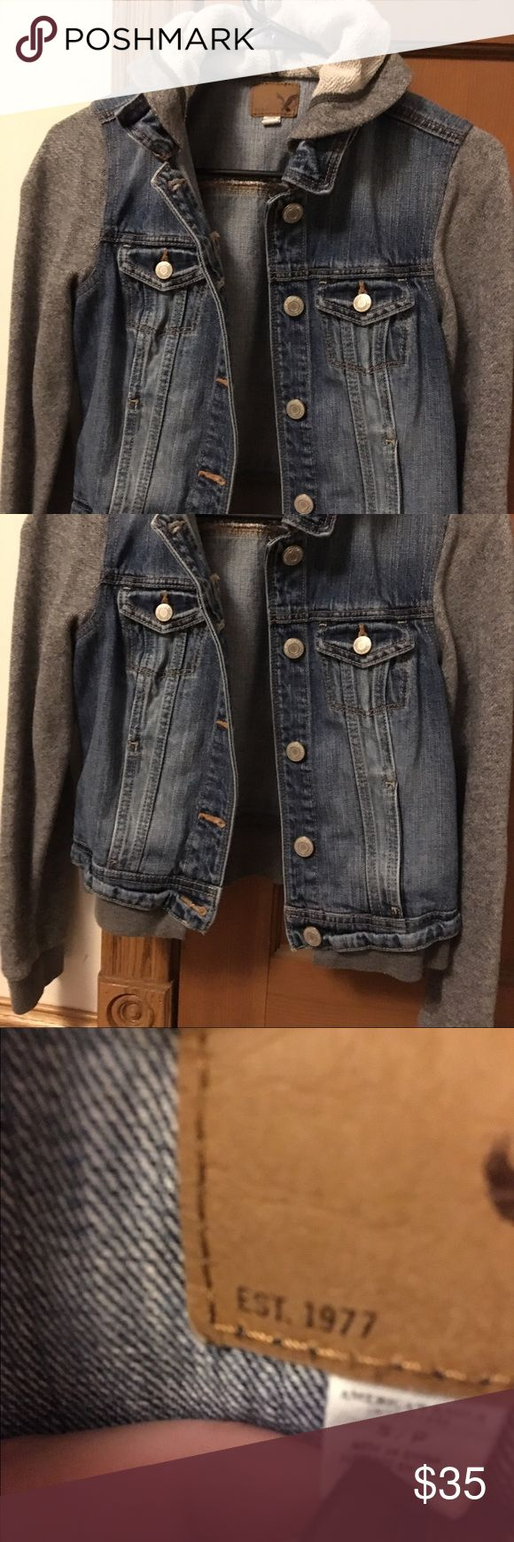 👖 American Eagle Jacket 👖 Excellent used condition with a ton of life left! Too small for me. 😩 Fits a small/xs. American Eagle Outfitters Jackets & Coats Jean Jackets