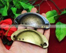 Envío gratis 12x forma de concha armario de la cocina puertas de hierro del gabinete perilla de la manija del cajón muebles Antique tire MB00057-1(China (Mainland))