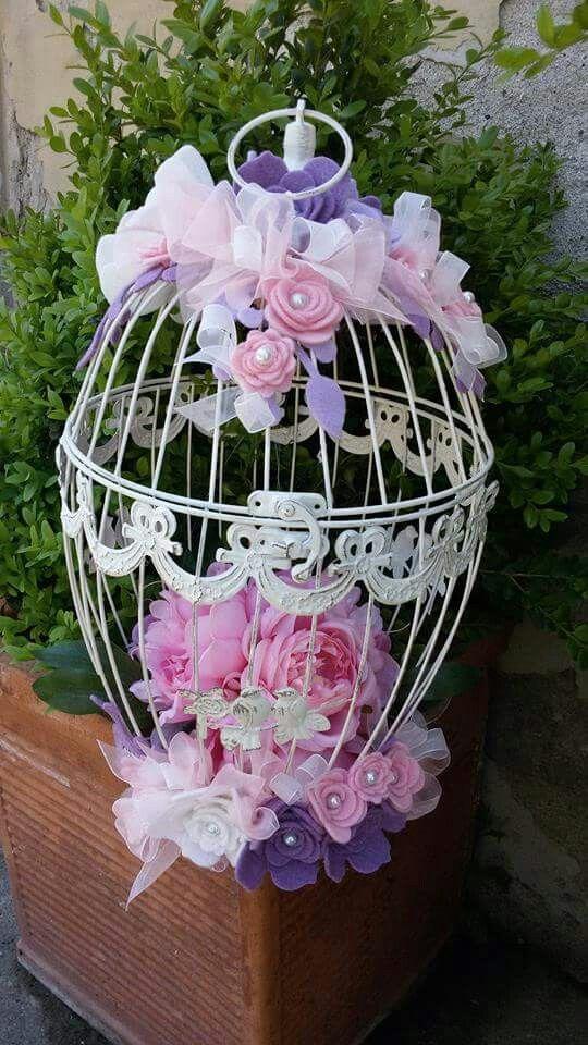 Lanterna con fiori e decorazioni in feltro