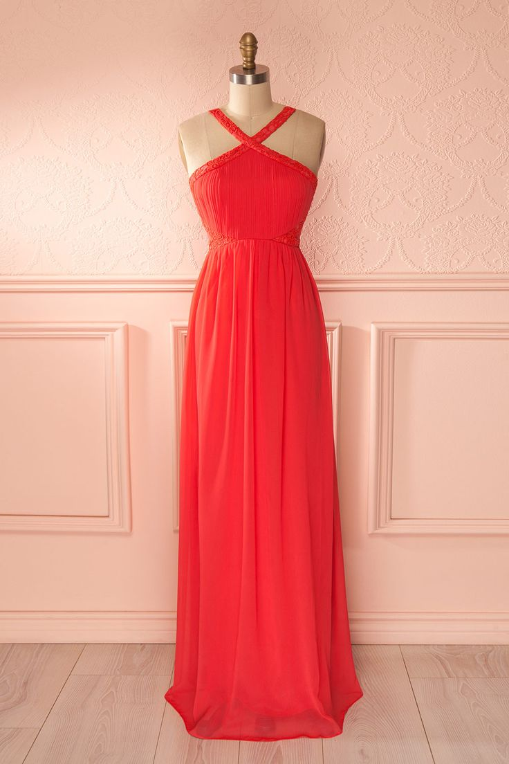 Toute femme apprécie la tendresse et le romantisme d'une sérénade. Every woman appreciates the tenderness and the romance of a serenade. Coral halter maxi veil dress www.1861.ca