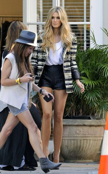 Awesome high-wasited shorts and a striped, embellished blazer #chic #shorts