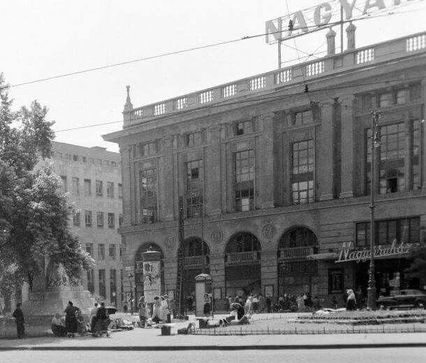 A Corvin áruház 1948?(forrás:Fortepan)