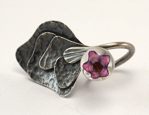 Purple LADY Sterling Silver Ring with Flower Hammered by sisicata