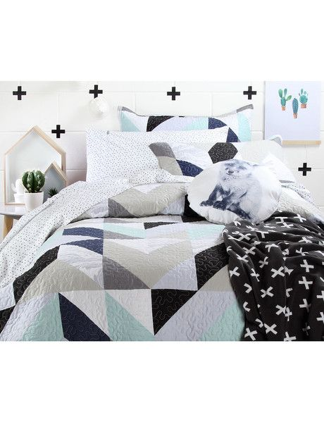 Create a fun, modern space with the Little Domani Charlie quilt set. Bold geometric designs and contemporary style make this quilt set perfect for growing with your child. Featuring stylish hues of mint and grey to contrast perfectly on a clean white background.