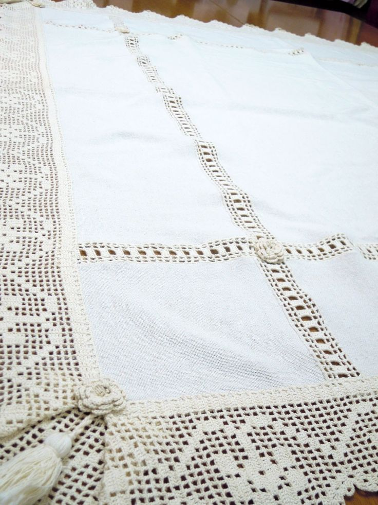 Tovaglia tela di cotone avorio intagliata con pizzi