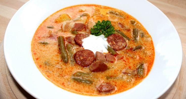 Magyaros zöldbableves recept: A magyaros zöldbableves egy tartalmas, ízletes fogás, amit bárkinek ajánlok, aki szereti a pikáns ízeket. :) Kiváló recept!
