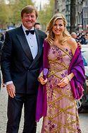 28-4-2017 AMSTERDAM - Koning Willem-Alexander nodigt ter gelegenheid van zijn 50ste verjaardag 150 Nederlanders uit voor een feestelijk diner op vrijdagavond 28 april 2017 op het Koninklijk Paleis Amsterdam. Na het diner wordt het Paleis 50 uur onafgebroken opengesteld voor het publiek. Hare Majesteit Koningin Maxima is ook aanwezig tijdens de avond. Koning 50 jaar: diner en openstelling Koninklijk Paleis Amsterdam. COPYRIGHT ROBIN UTRECHT<br /> <br /> 28-4-2017 AMSTERDAM - King…