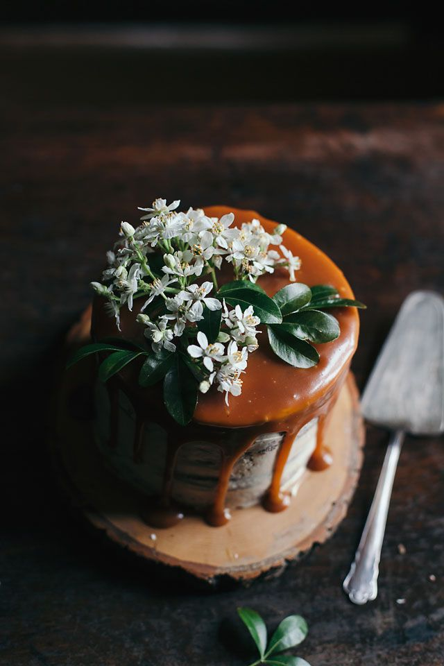 FOOD PHOTOGRAPHY / VISUAL STORYTELLING WORKSHOP IN BEAUTIFUL SOUTH OF ENGLAND (Cake by Linda Lomelino)