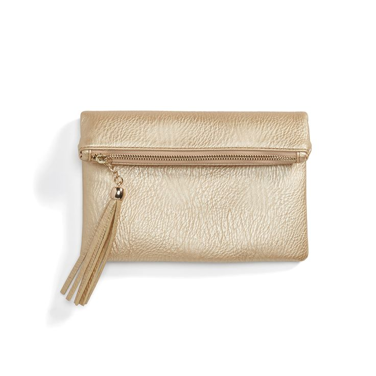 Stitch Fix Monthly Must-Haves: A metallic clutch is versatile and subtle. Pair it with a cocktail dress or go city-glam by pairing it with a simple sweater and jeans look.