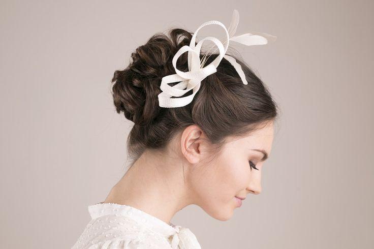Haarschmuck & Kopfputz - Braut Fascinator mit Federn, Hochzeit Haarschmuck - ein Designerstück von BeChicAccessories bei DaWanda